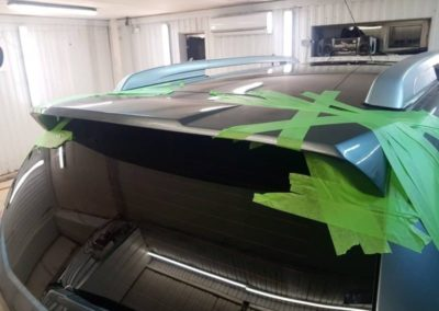 Установили спойлер на крышку багажника Nissan Terrano