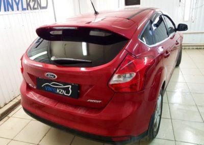 Качественная тонировка задней части автомобиля пленкой Llumar 85% — Ford Focus