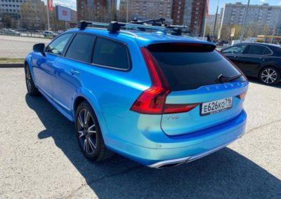 Шикарный Volvo V90 Cross Country — оклеили весь кузов с расширителями в сине-зелёный хамелеон, шумоизоляция салона автомобиля