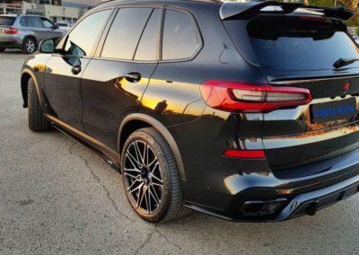 BMW X5 G05 — выполнили глубокую полировку кузова, нанесли 4 слоя керамики