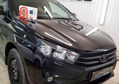 Lada Vesta — установили автосигнализацию StarLine A93 V2, оклейка хромированных элементов, тонировка фар