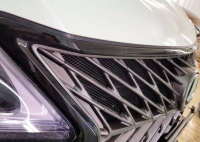 Покраска хромированной решетки автомобиля Lexus