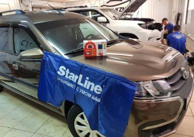 Lada Largus  — установили охранный комплекс StarLine A93, тонировка стекол пленкой Llumar ATR