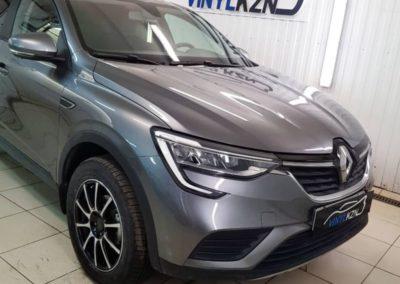 Renault Arkana — бронирование капота, фар и зон под ручками, тонировка атермальной пленкой Llumar ATR