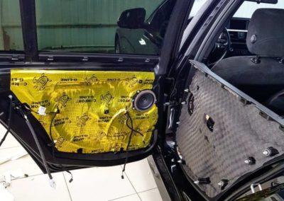 Шумоизоляция дверей автомобиля BMW 3 серии