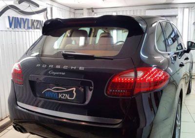 Тонировка стекол автомобиля Porsche Cayenne атермальной пленкой