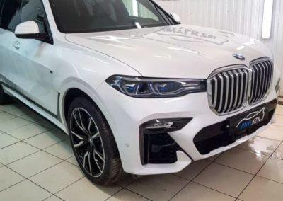 BMW X7 — комплексное бронирование автомобиля полиуретановой пленкой