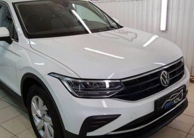 Volkswagen Tiguan — бронирование кузова и фар полиуретановой пленкой Llumar