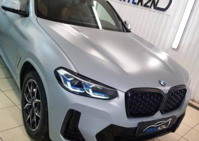 Новый BMW X4 2021 года — оклейка кузова антигравийной полиуретановой пленкой Suntek