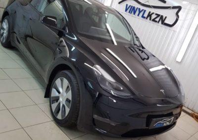 Tesla Model Y — полная полировка кузова, бронирование кузова полиуретановой пленкой SunTek