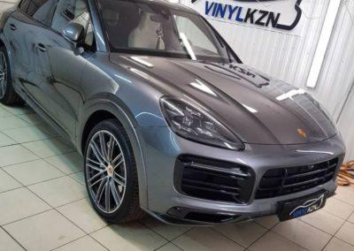 На комплексном бронировании новый автомобиль Porsche Cayenne